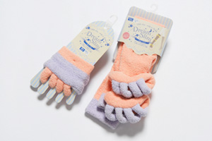 Toe separator socks for foot alignment|HEALTH AND PHARMACEUTICAL|Contracted development